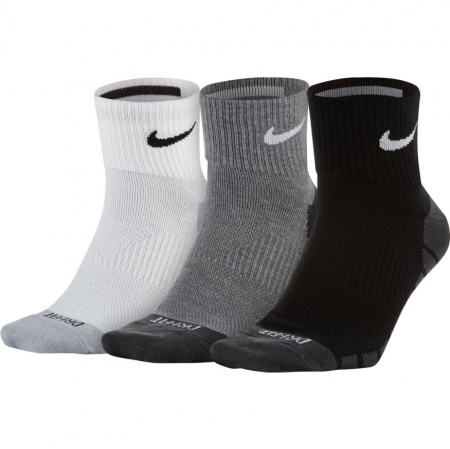 Nike Everyday Max Lightweight QTR 3 Pack Sock